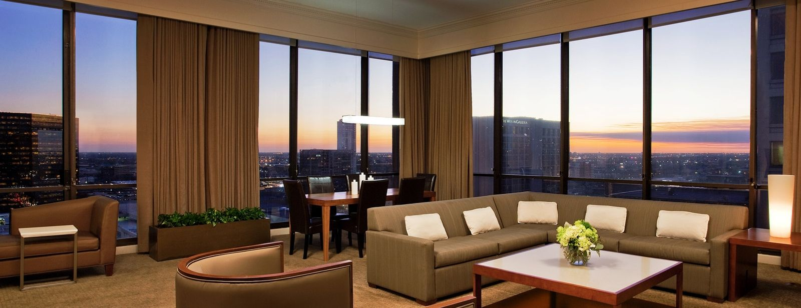 Hotel Suites in Houston - The Westin Oaks Houston at the Galleria